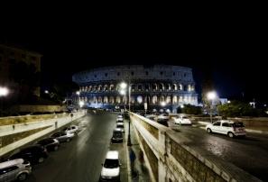 Colosseo con ipotetica illuminazione fredda